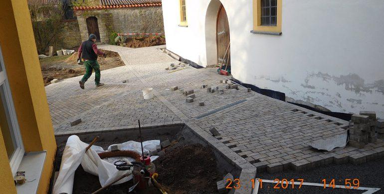 Umgestaltung des Kirchenumfeldes